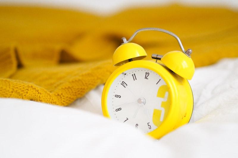 reloj con alarma