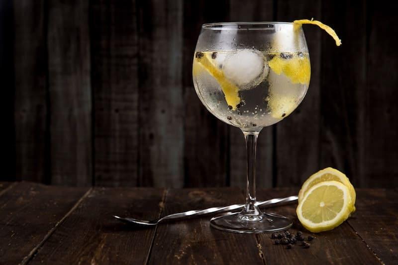 Si bebes Gin-Tonic eres más atractivo, lo dice la ciencia
