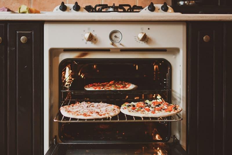 Haz unas pizzas caseras como un italiano con estos trucos