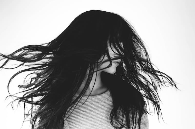 La razón por la que el pelo crece más rápido con el calor