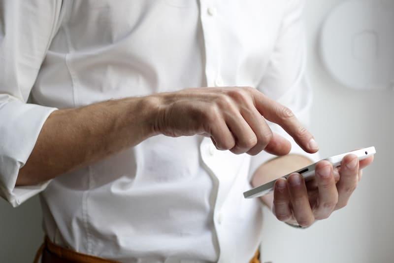 ¿Cada cuánto hay que renovar tu teléfono?