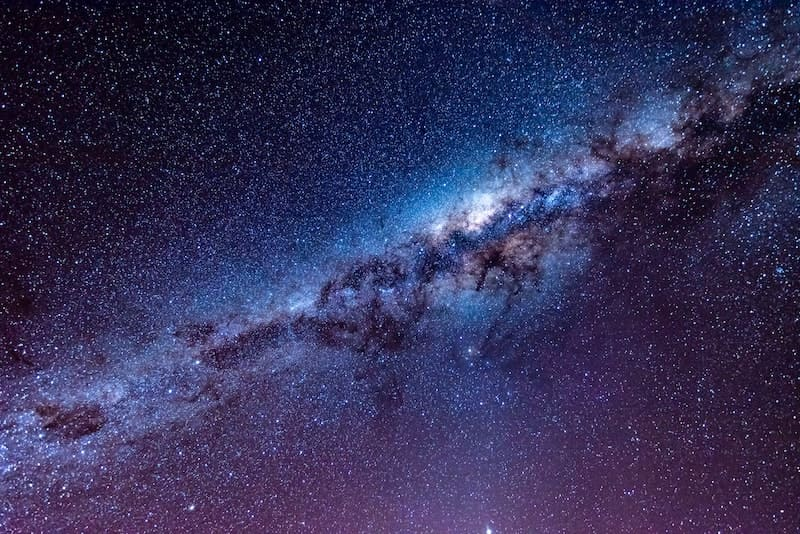 La razón por la que los planetas son redondos