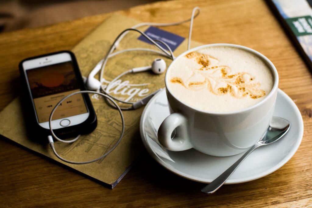 Café con un teléfono